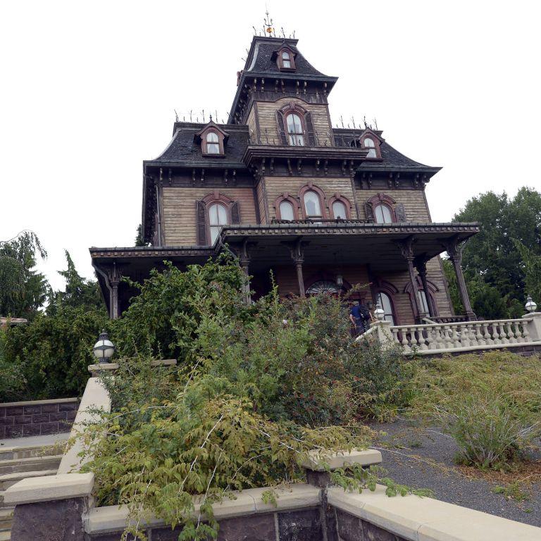 Disneyland Paris Employee Dies At Phantom Manor Haunted House