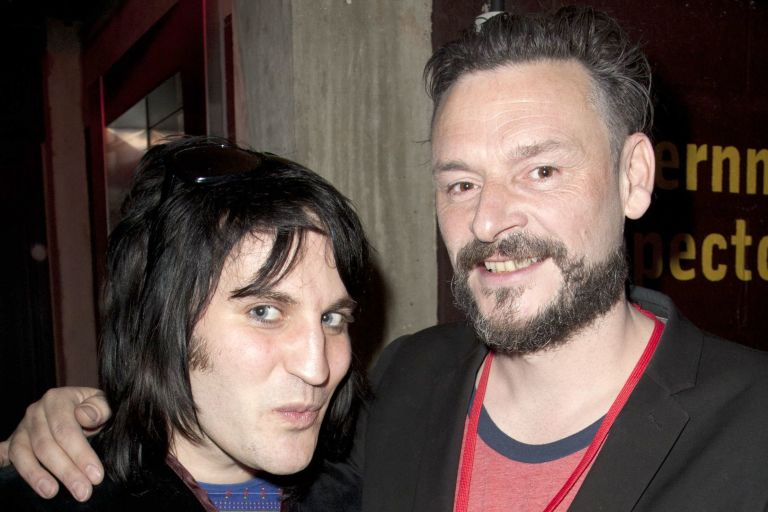 julian barratt height