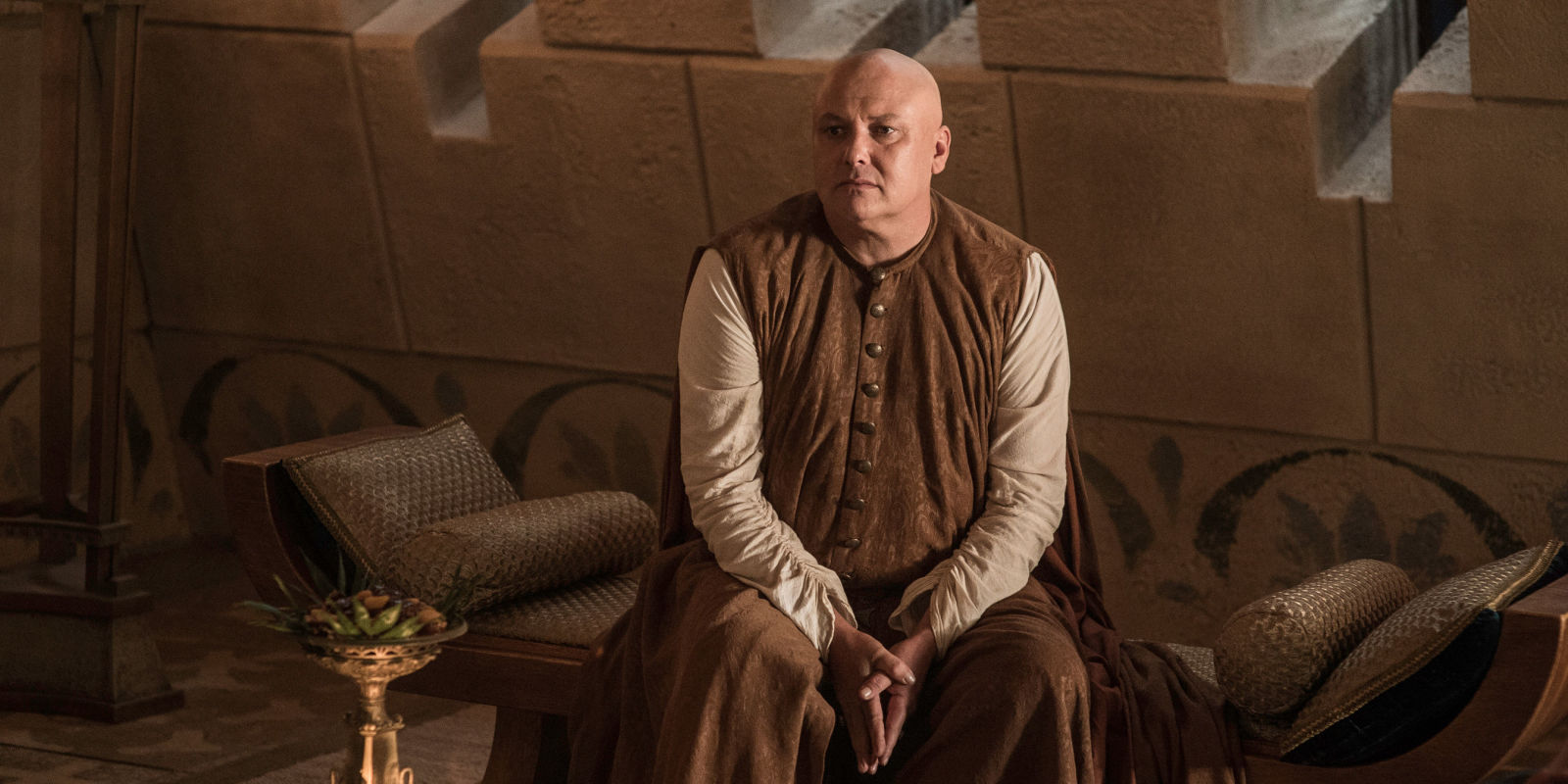 Want to see Varys from Game of Thrones with a truly magnificent head of hair?