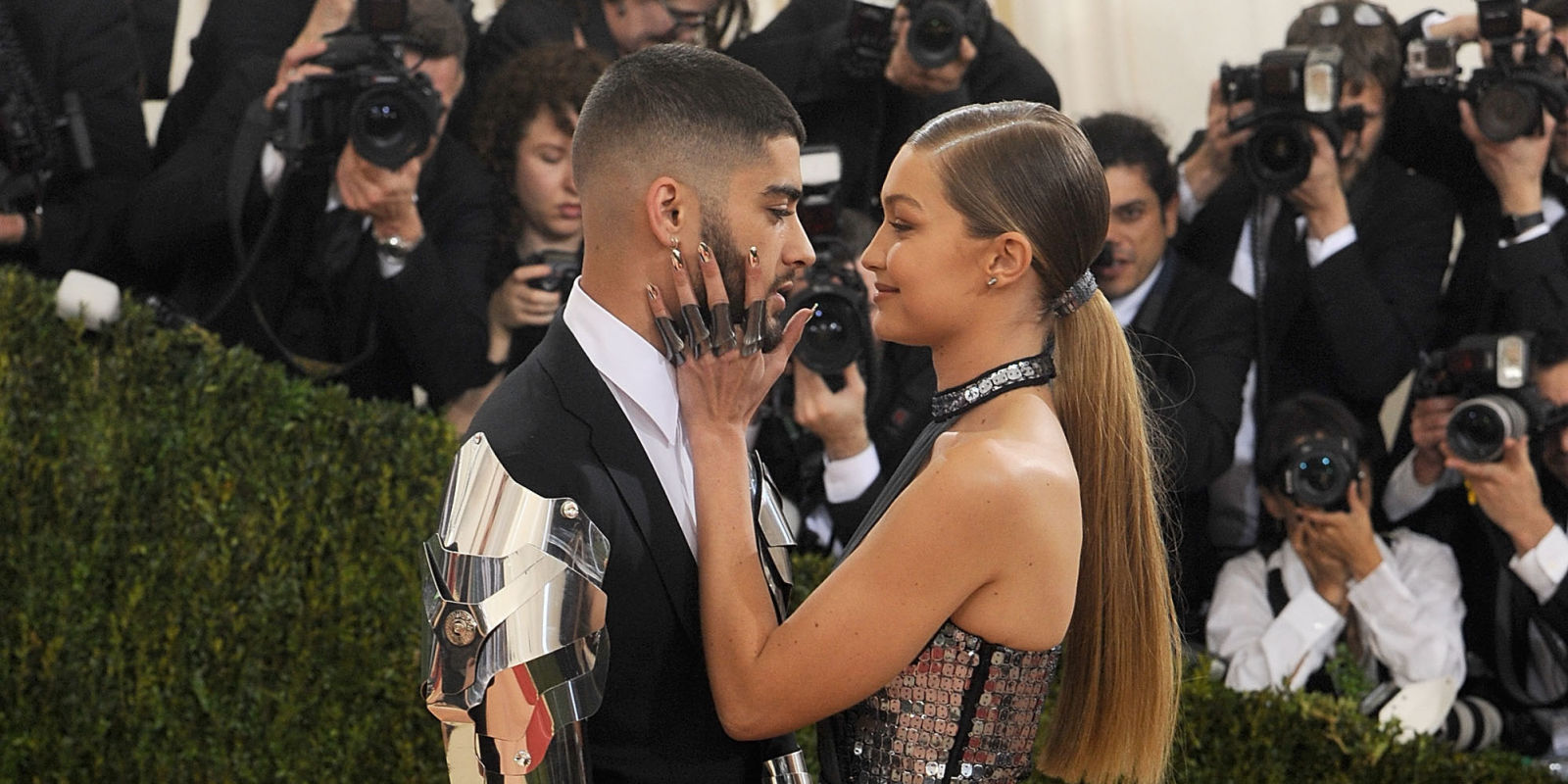 Zayn Malik and Gigi Hadid make it official with red carpet ...