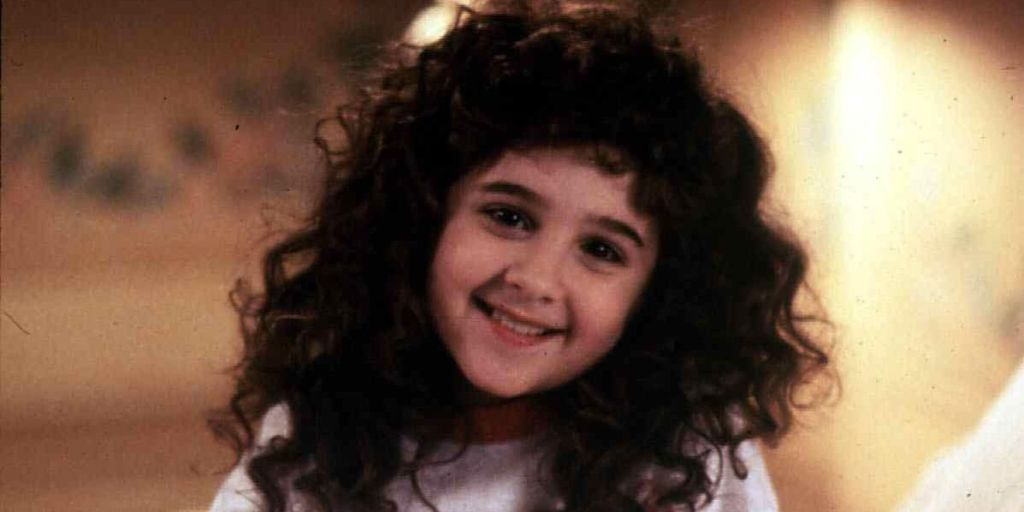 Curly Sue star Alisan Porter is in The Voice final and ...