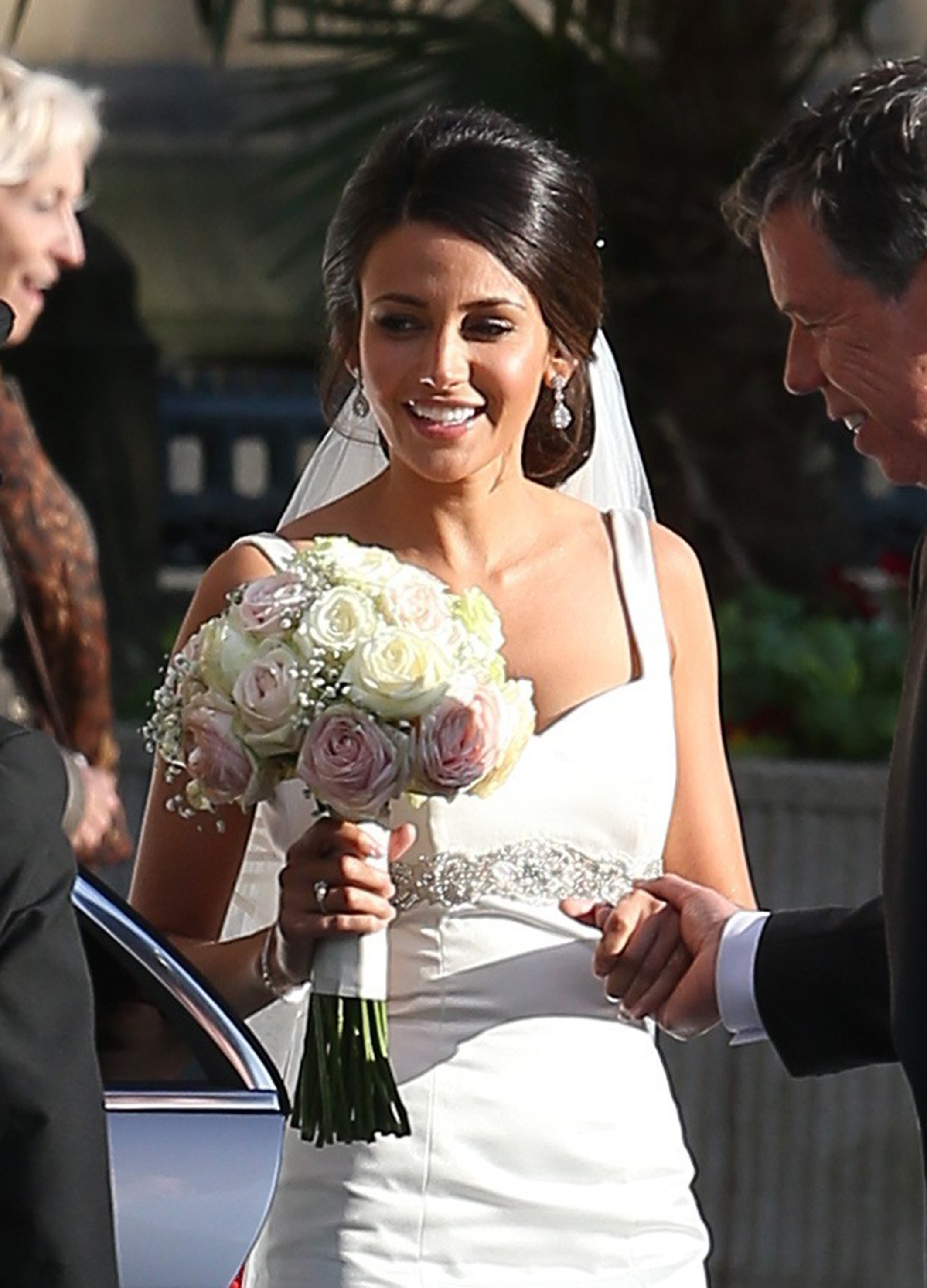 Michelle keegan looks absolutely stunning in a wedding for Michelle keegan wedding dress