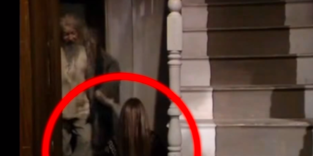 Holy Crap There Was A FIFTH Housemate In The Young Ones Hiding