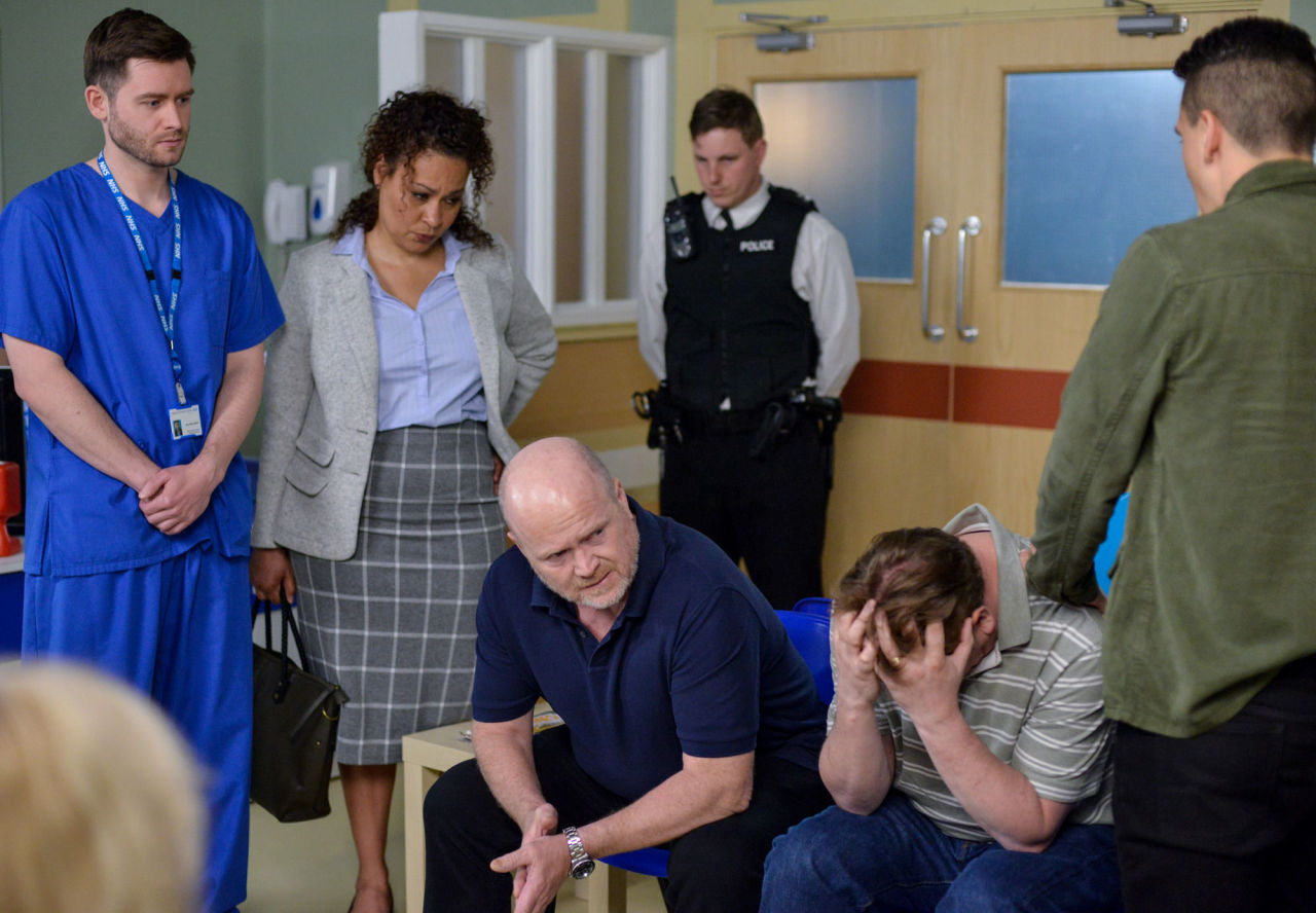 Phil Mitchell and Ian Beale hear the news that Ben has died in EastEnders
