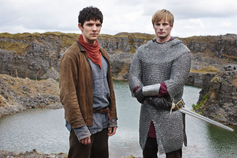 http://digitalspyuk.cdnds.net/16/31/768x512/gallery-cult-merlin-s05-e09-1.jpg