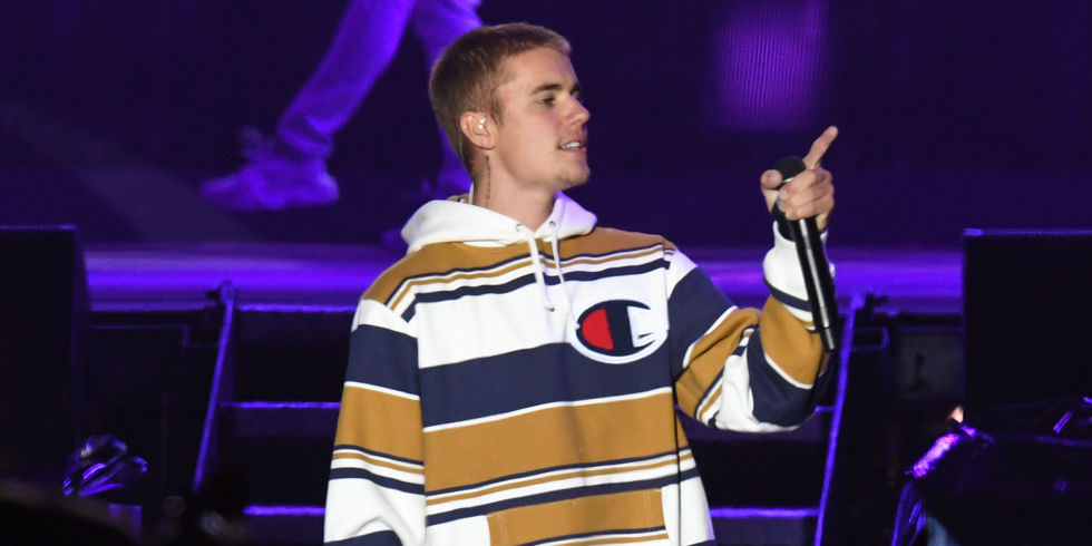 Justin Bieber proves to V Festival that even on a hangover he\'s one ...