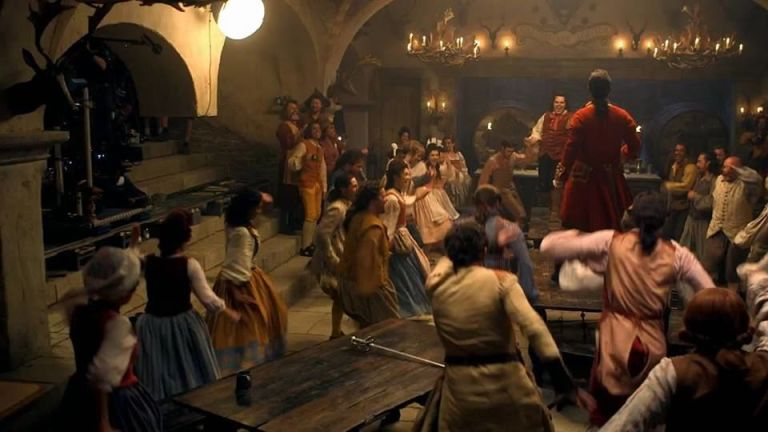 Luke Evans As Gaston In His Tavern Beauty And The Beast
