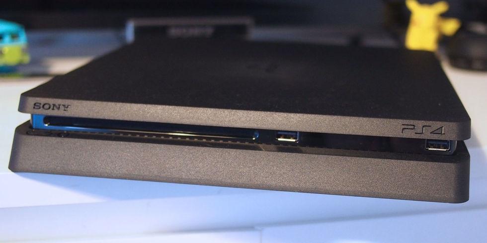Šta kupiti PS4 ili XBox One