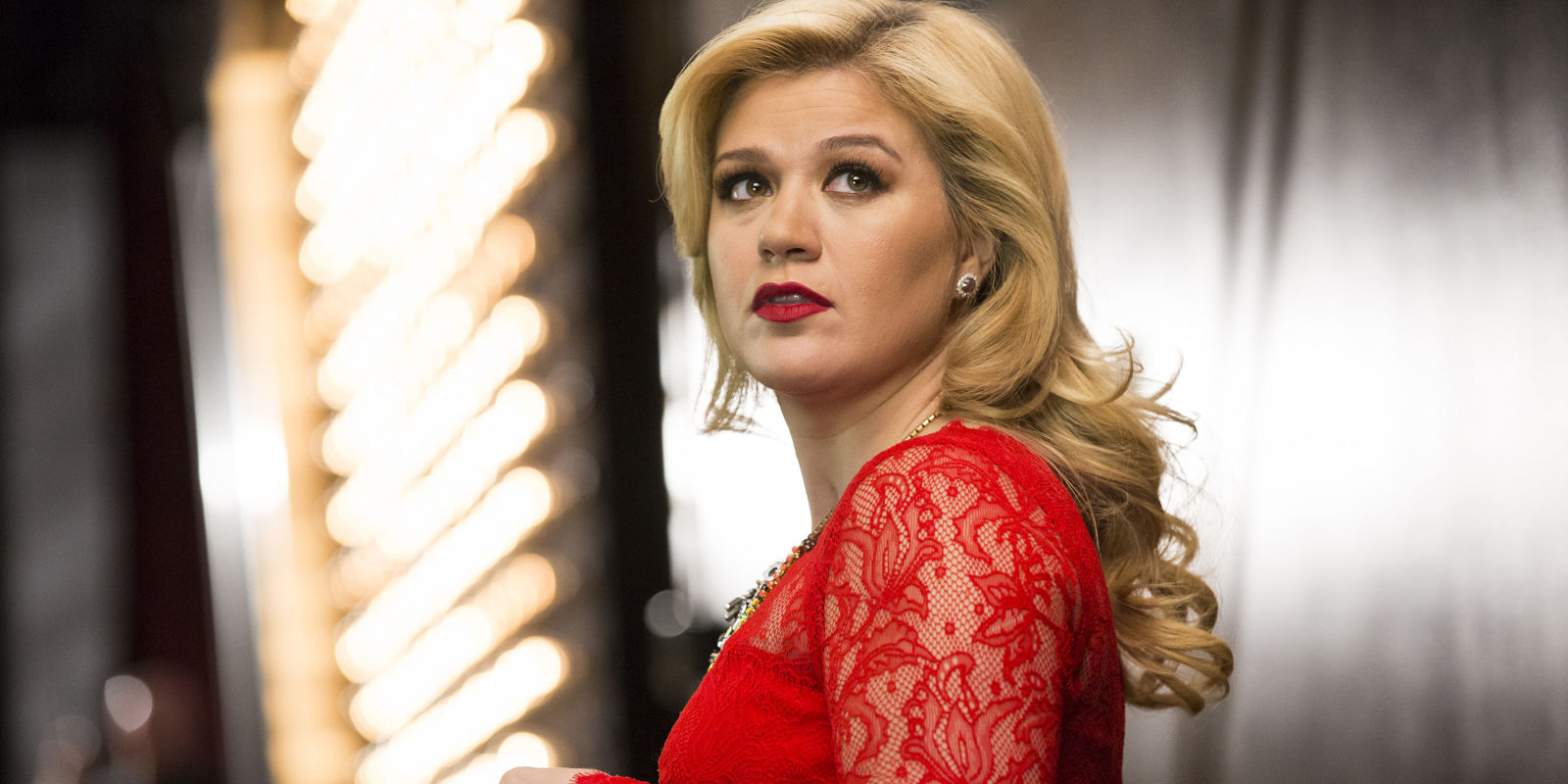 Kelly Clarkson Pussy Pics Cool legendary singer-songwriter leonard cohen dies at age 82