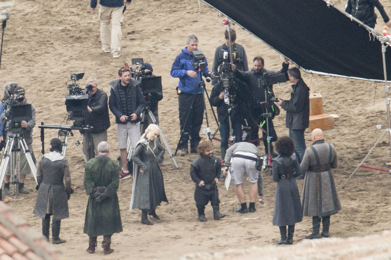 Game of Thrones, set filming, Emilia Clarke and Peter Dinklaje