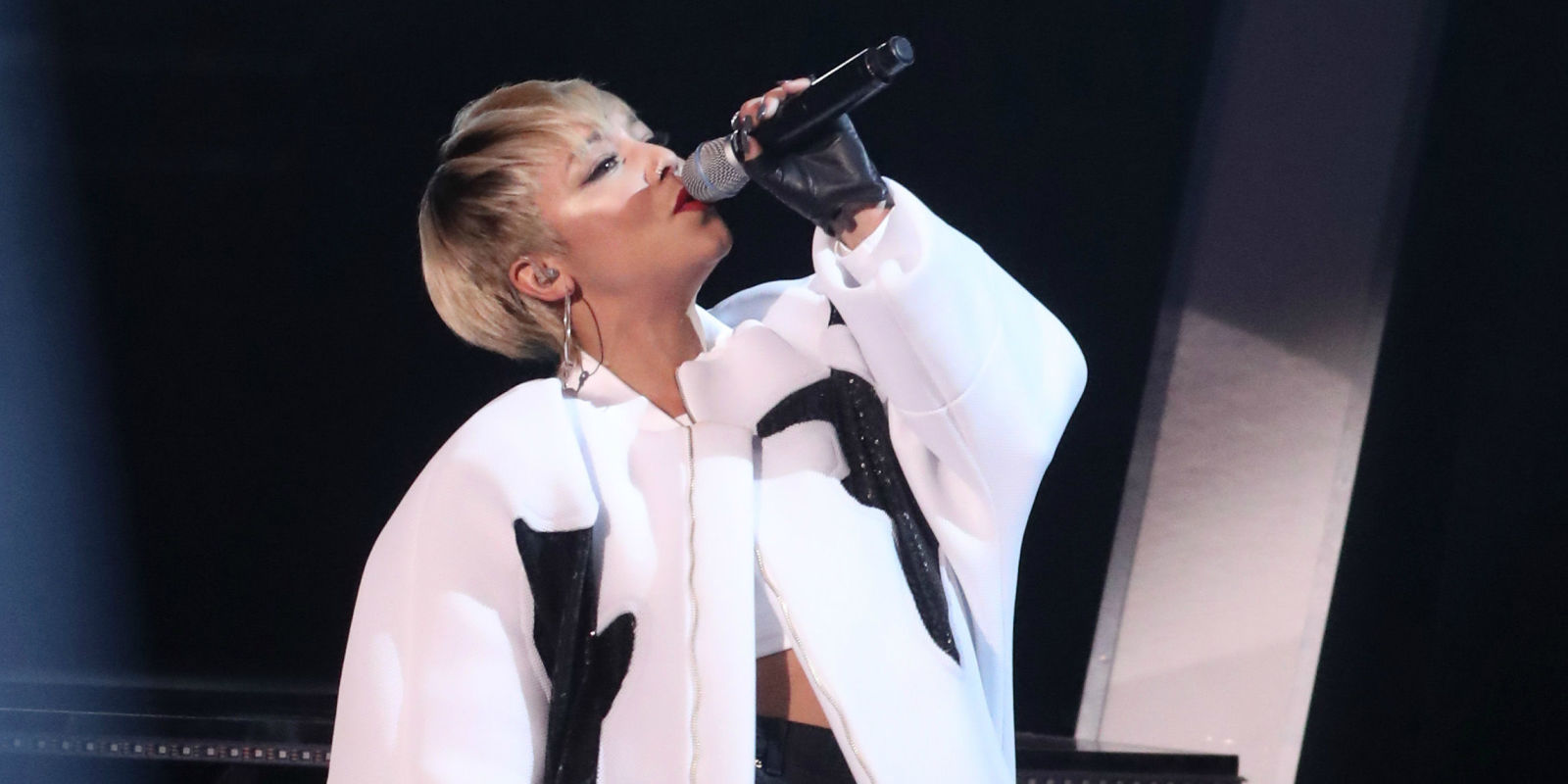 Watch Tanya Laceys Electrifying Performance As She Opens The - Basement jaxx good luck