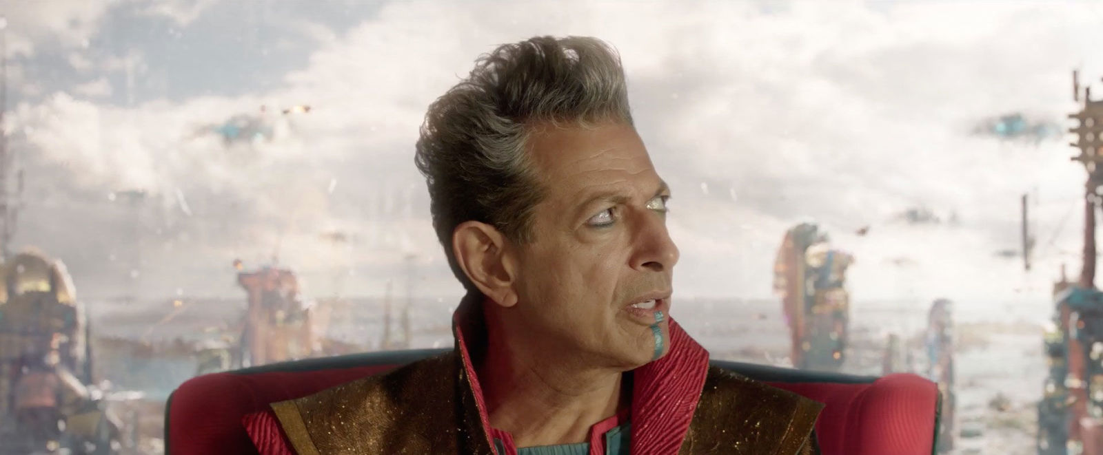 Jeff Goldblum is back in Jurassic World: Fallen Kingdom featurette