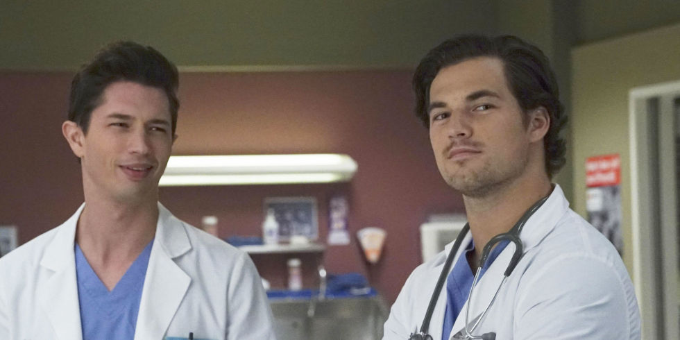 Greys Anatomys Season 14 Premiere Will Make You Question Everything