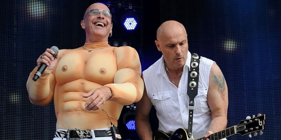 Right said fred im too sexy lyrics in spanish