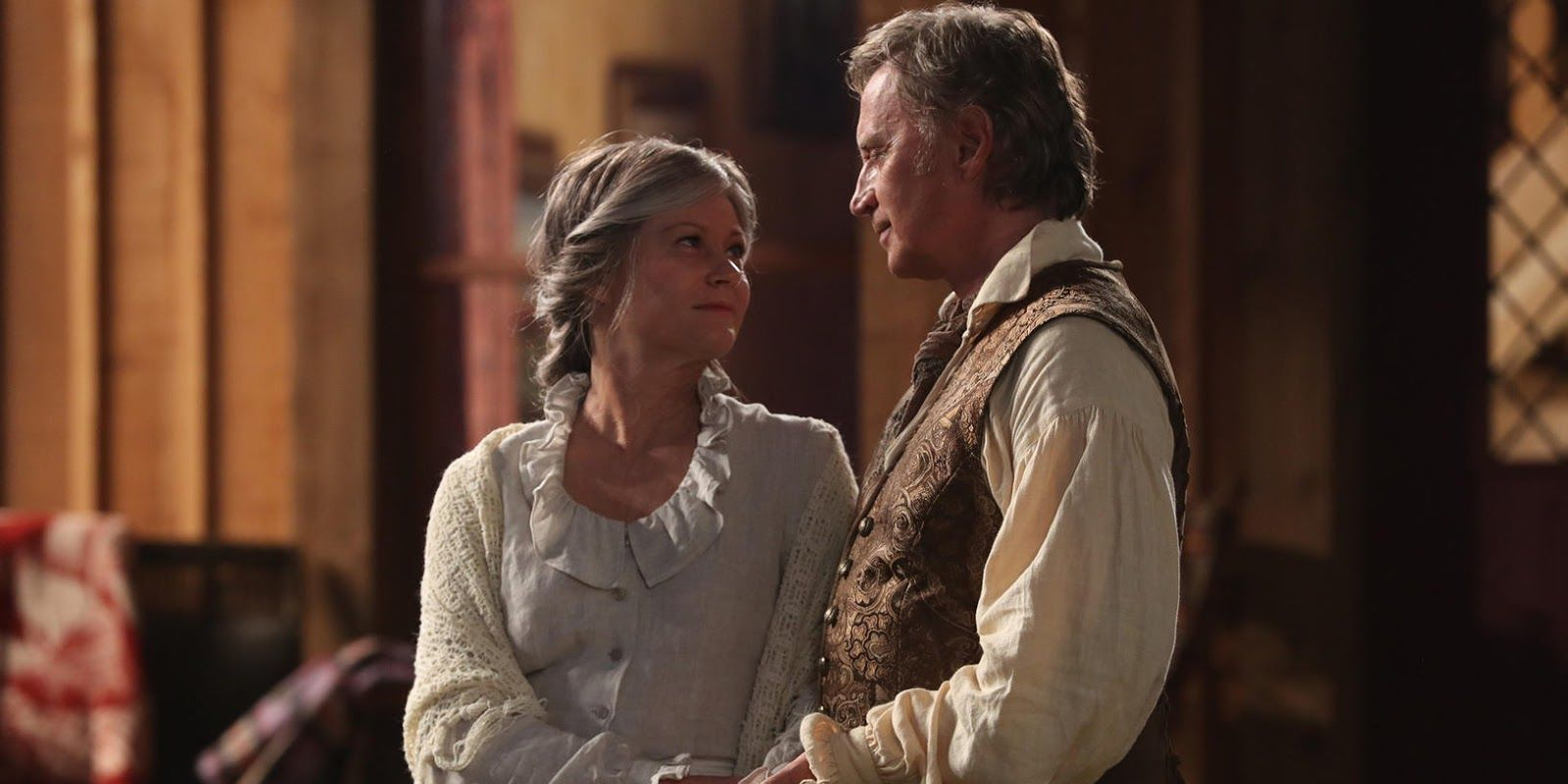 Once Upon a Time reveals first pictures of Emilie de Ravin's return as Belle in episode 4