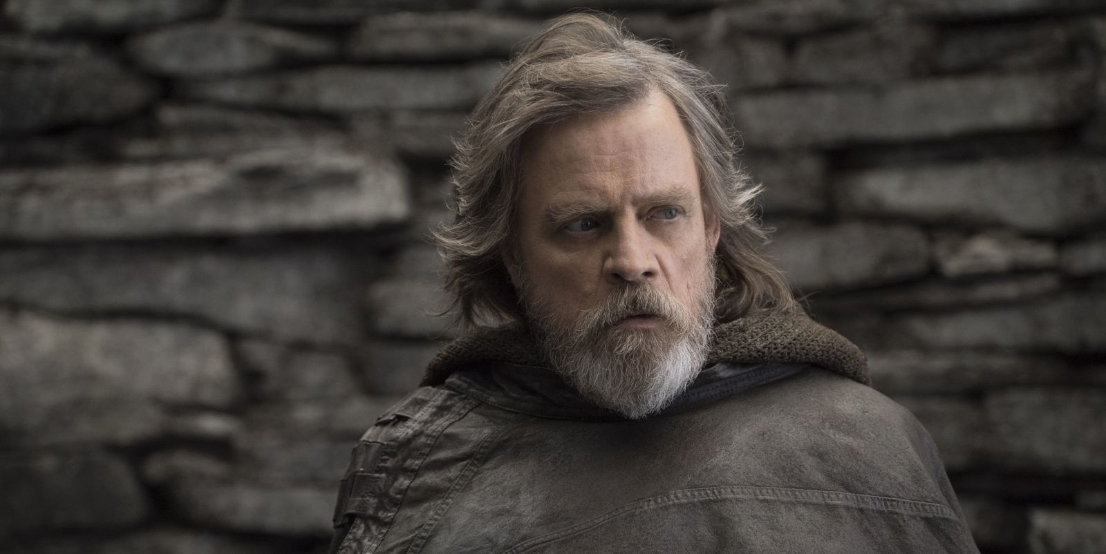 Star Wars' Mark Hamill teases fans over Episode 9's title