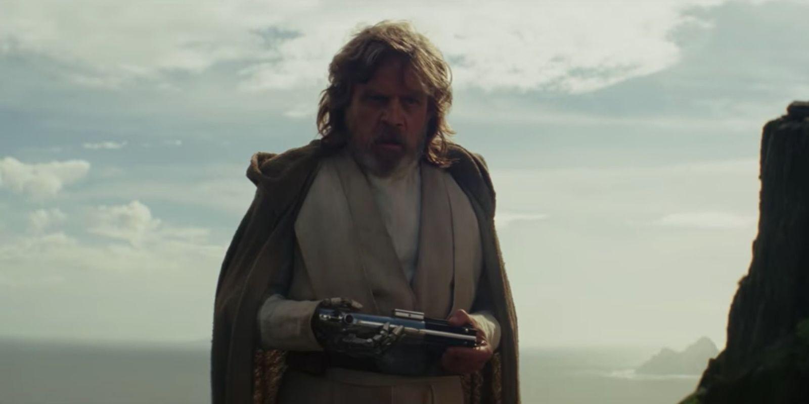 Mark Hamill trolls Star Wars fans over Luke in Episode IX