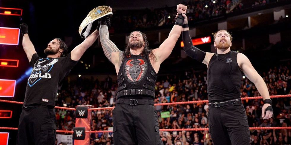 wwe raw round up roman reigns becomes intercontinental champion and