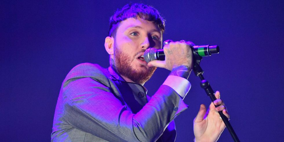 James arthur accused of mugging off dapper laughs in furious james arthur performing in 2017 m4hsunfo
