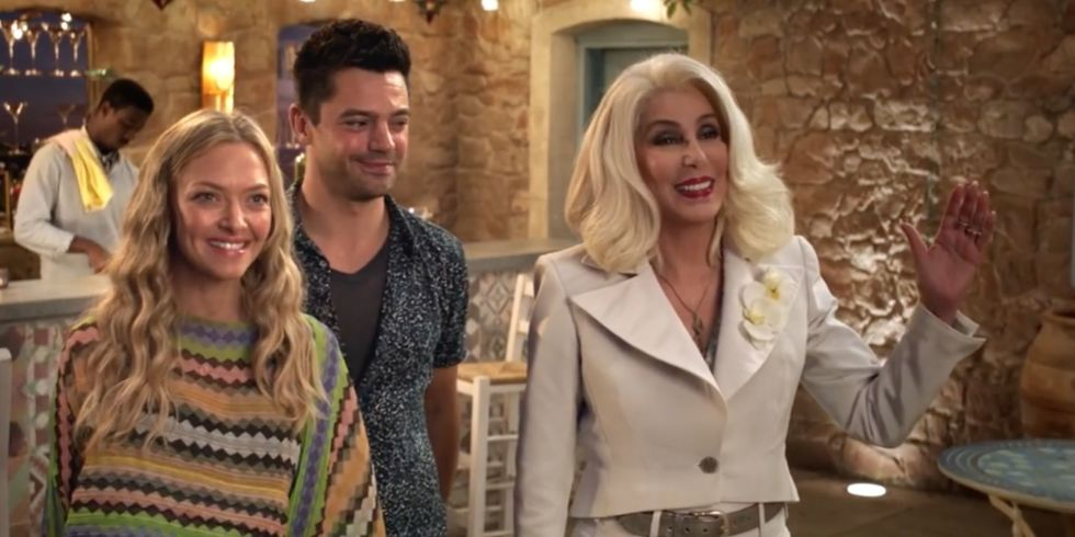 Amanda Seyfried Dominic Cooper And Cher In Mamma Mia Here We Go Again