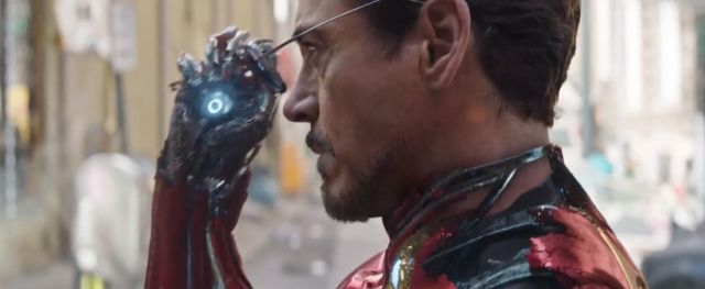 Tony Stark hand in Infinity War trailer