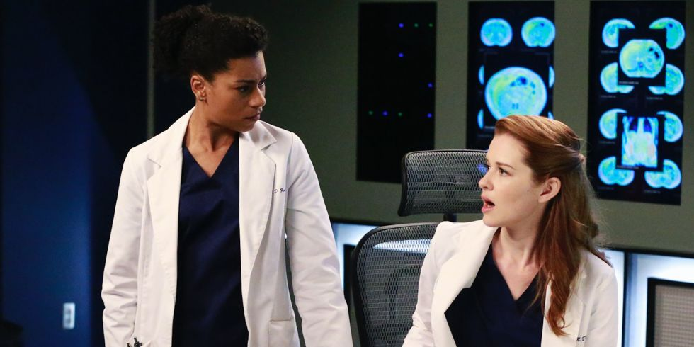 Grey\'s Anatomy star Sarah Drew asks fans to stop harassing co-star