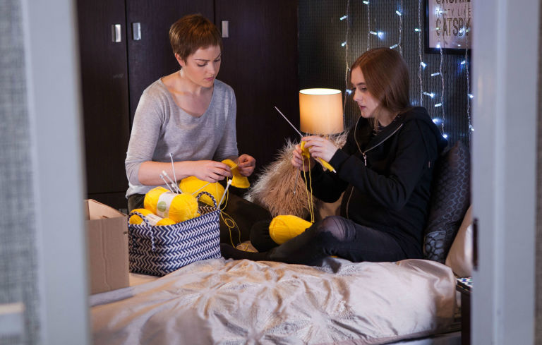Sienna Blake teaches Nico how to knit in Hollyoaks