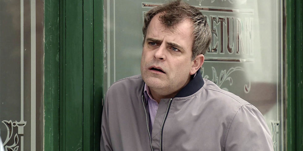 Steve McDonald Proposes To Tracy Barlow In Coronation Street