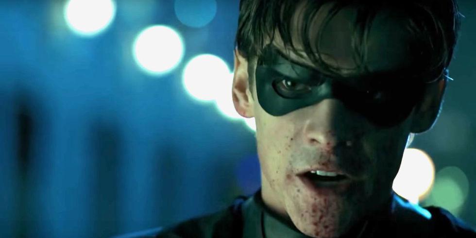 Brenton Thwaites As Robin In Titans Trailer