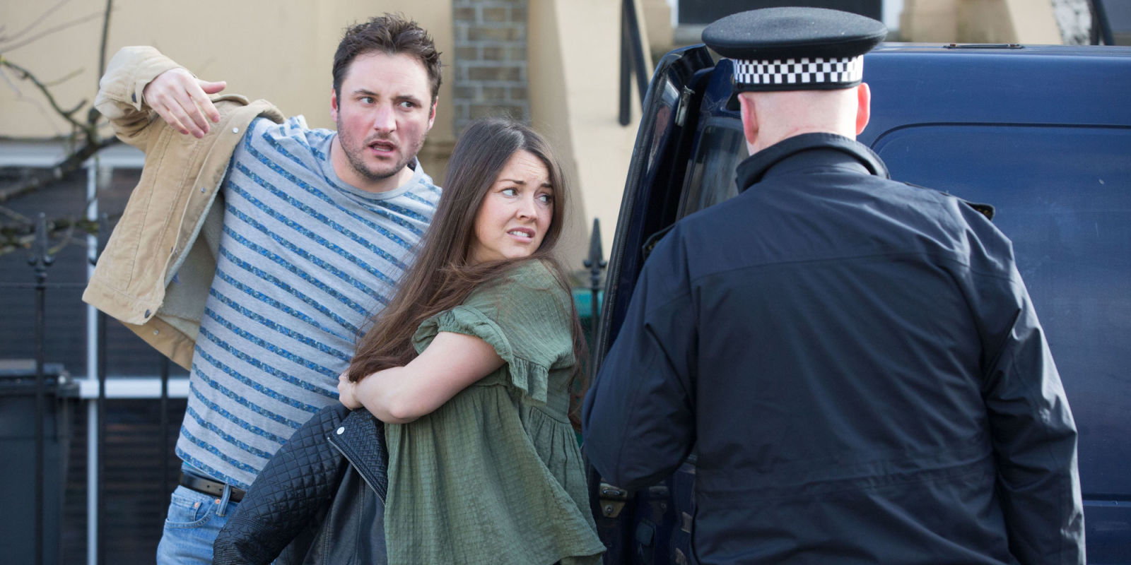 EastEnders spoilers - Martin and Stacey Fowler sex shock revealedEastEnders sex shock sees Stacey's reunion exposed - 웹